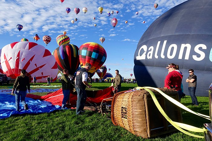 dsc03557_crewlaunchballoon1_rfw