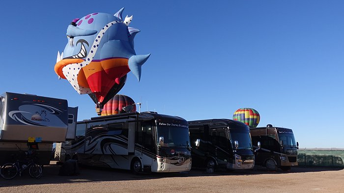 dsc04521_balloonsoncoaches_rfw