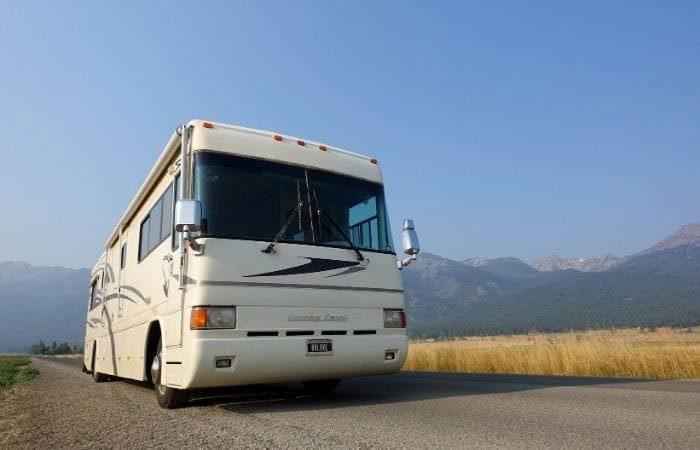 700-x-450-CC-in-Joseph-Oregon-road_rfw