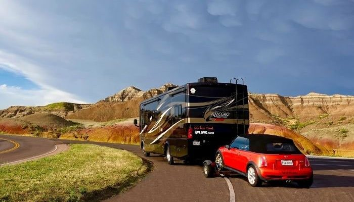 700-x-450-tiffin-and-mini-badlands-yellow-mounds_rfw